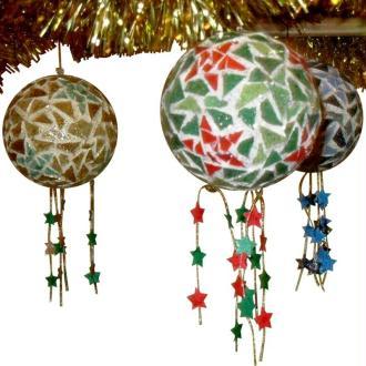 Boules de Noël étoilées en mosaique