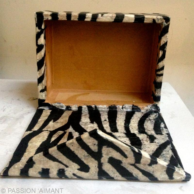 Bo te cartonnage aimant e id es et conseils meuble en carton for Decoration boite carton