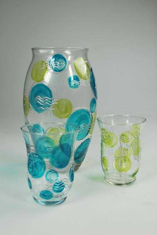 Peindre un vase en verre et ses photophores assortis for Enlever peinture sur verre