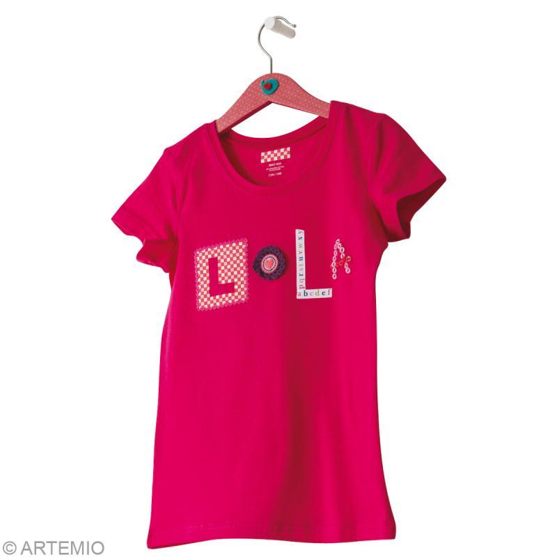 customiser un t shirt basique avec son pr nom id es et conseils customisation. Black Bedroom Furniture Sets. Home Design Ideas