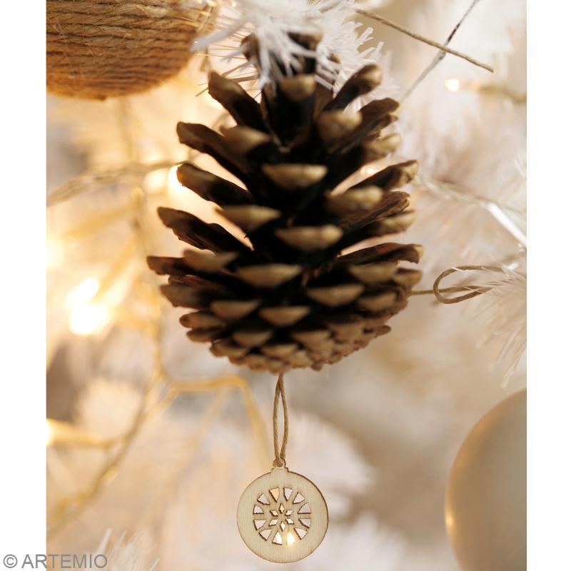 Décoration de Noël : une guirlande en pommes de pin Prima