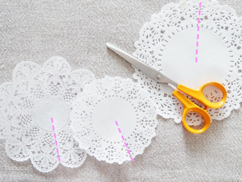 Cr er une for t de sapins en napperons de papier id es - Comment faire un sapin de noel en papier ...
