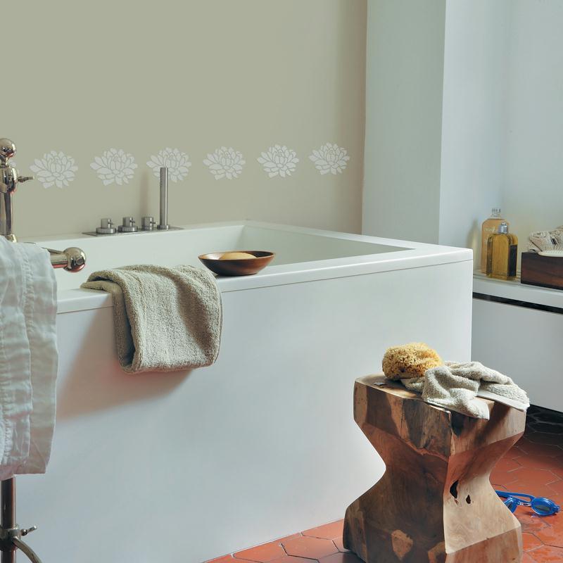 Refaire la d co de son int rieur avec la peinture d co for Pochoir pour salle de bain
