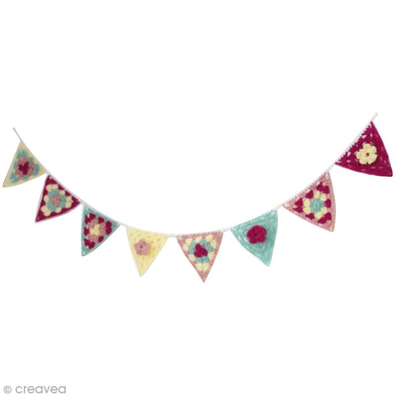 Guirlande Chambre Garçon : … une jolie guirlande triangles granny au crochet pour chambre d'enfant