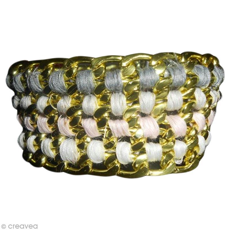 fabriquer un bracelet avec cha nes et fils coudre id es et conseils perles et bijoux. Black Bedroom Furniture Sets. Home Design Ideas
