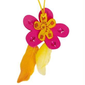 Activité manuelle : Bijoux fantaisie en plastique dingue pour les enfants