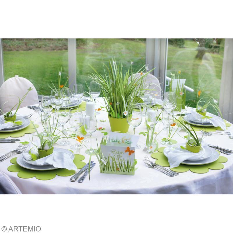 mariage vert et blanc : Invitation, marque place et centre de table ...