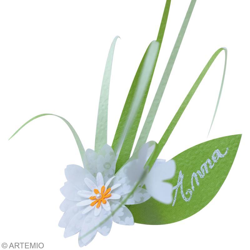 D co mariage vert et blanc invitation marque place et Marque de deco