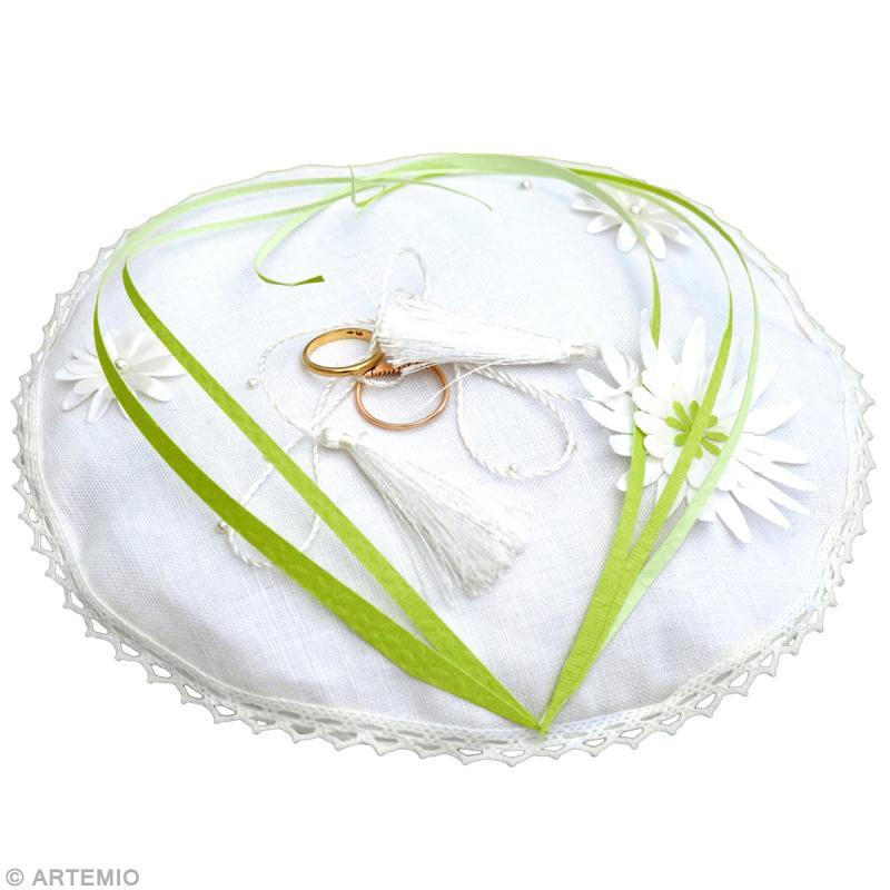 D co mariage vert blanc coussin alliances id es et conseils mariage - Coussin ethnique noir et blanc ...