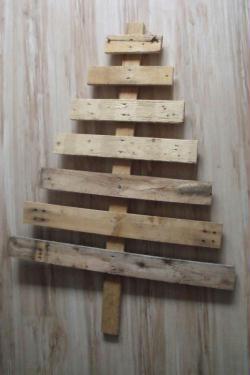 Tuto calendrier de l 39 avent original id es et conseils - Calendrier avent sapin bois ...