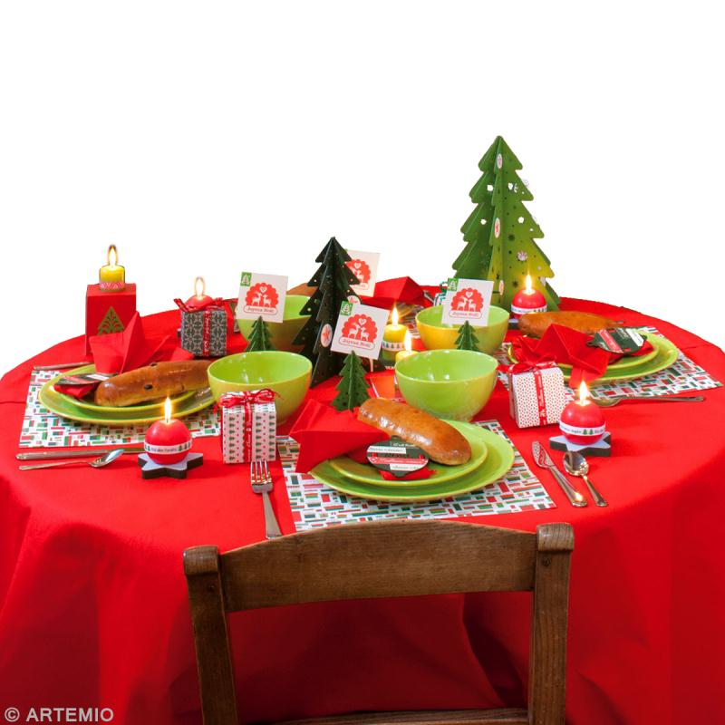 D coration de table de no l rouge et vert id es et - Decoration table de noel rouge et or ...