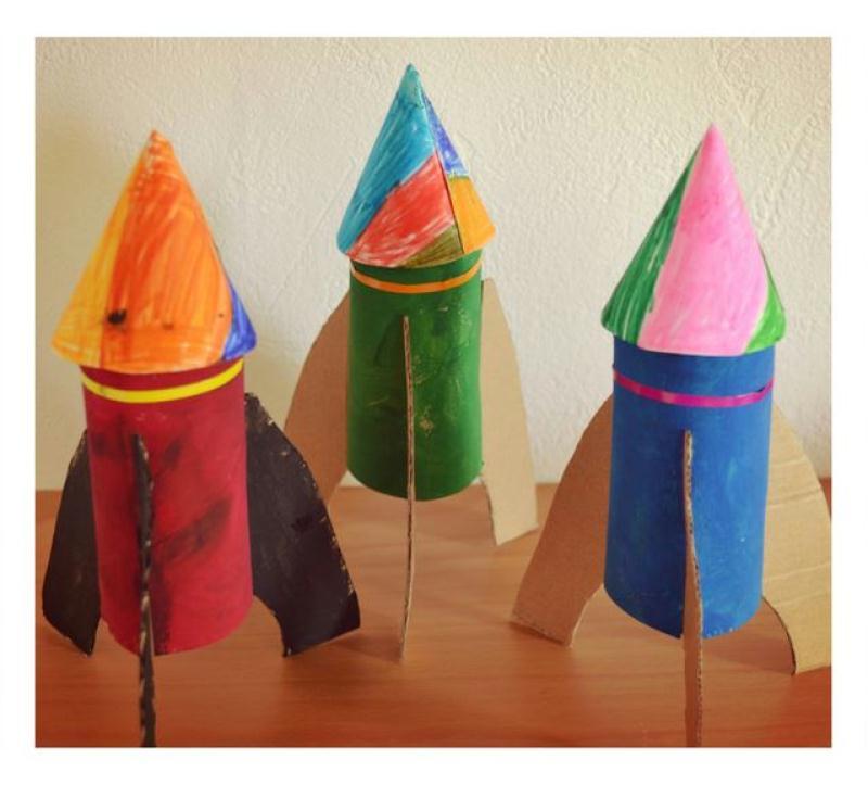 Bricolage enfant facile fabriquer une fus e avec des - Activite manuelle recyclage ...