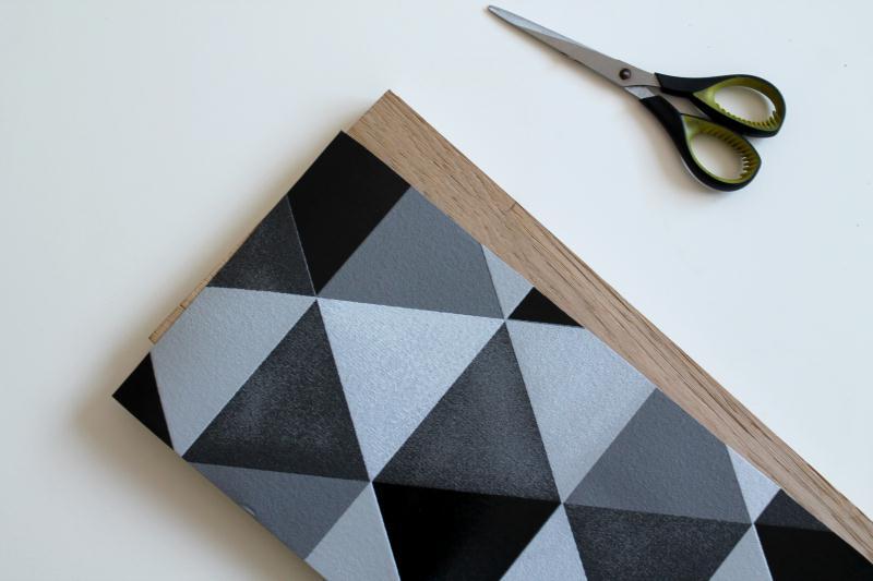 Une tag re customis e au style g om trique id es et conseils customisation - Papier adhesif venilia ...