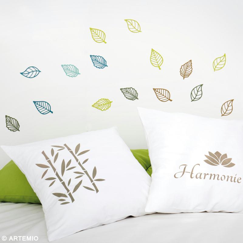 personnaliser une housse de coussin avec un pochoir id es et conseils customisation. Black Bedroom Furniture Sets. Home Design Ideas