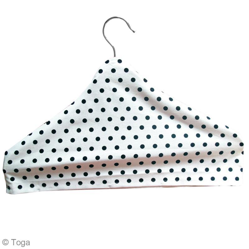 Diy couture facile housse de cintre en tissu id es et for De tissus en couture