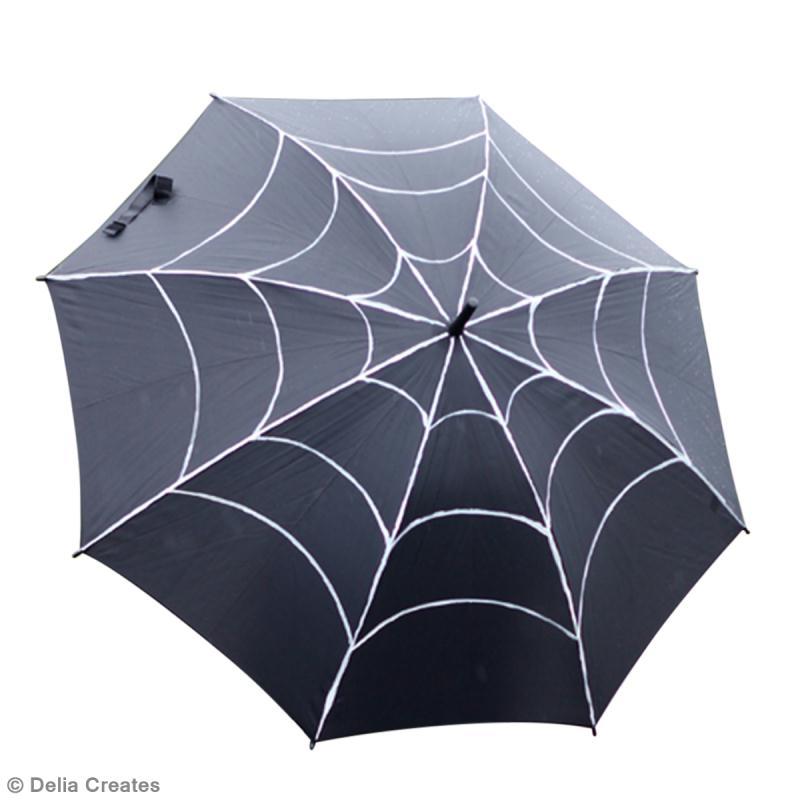 ... Idées Halloween > Bricolage DIY Halloween : Parapluie toile araignée
