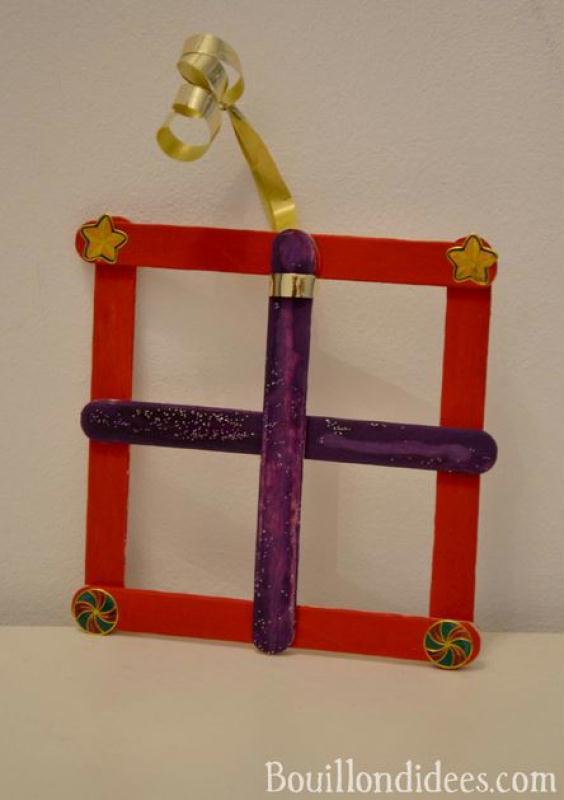 Bricolage de no l pour enfant d co de sapin en b tonnets - Bricolage de noel pour enfant ...