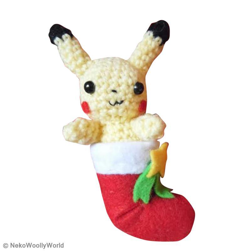 D u00e9coration de No u00ebl Amigurumi Pikachu dans sa chaussette