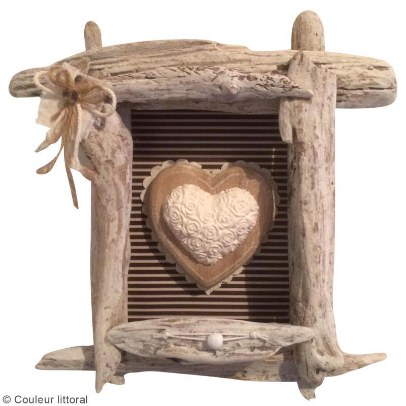 diy cadre en bois flott id es et conseils f te des m res. Black Bedroom Furniture Sets. Home Design Ideas