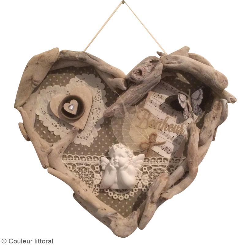 Diy cadre coeur en bois flott id es et conseils f te for Cadre photo bois flotte