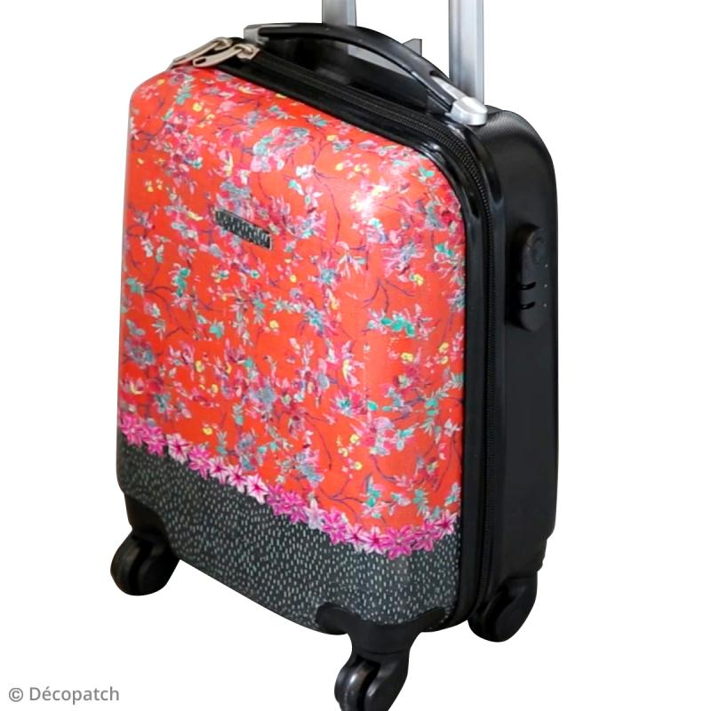 customiser une valise avec du papier d copatch diy vid o id es et conseils d copatch artepatch. Black Bedroom Furniture Sets. Home Design Ideas