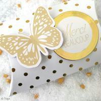 DIY pochette cadeau pour Noël : Pillow box dorée