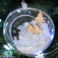 DIY Suspension boule décorative transparente Noël magique (vidéo)
