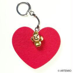 1. Porte clé en feutrine Coeur rouge et grelots