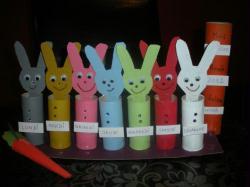 fabriquer le semainier des petits lapins avec un enfant id es et conseils activit manuelle enfant. Black Bedroom Furniture Sets. Home Design Ideas