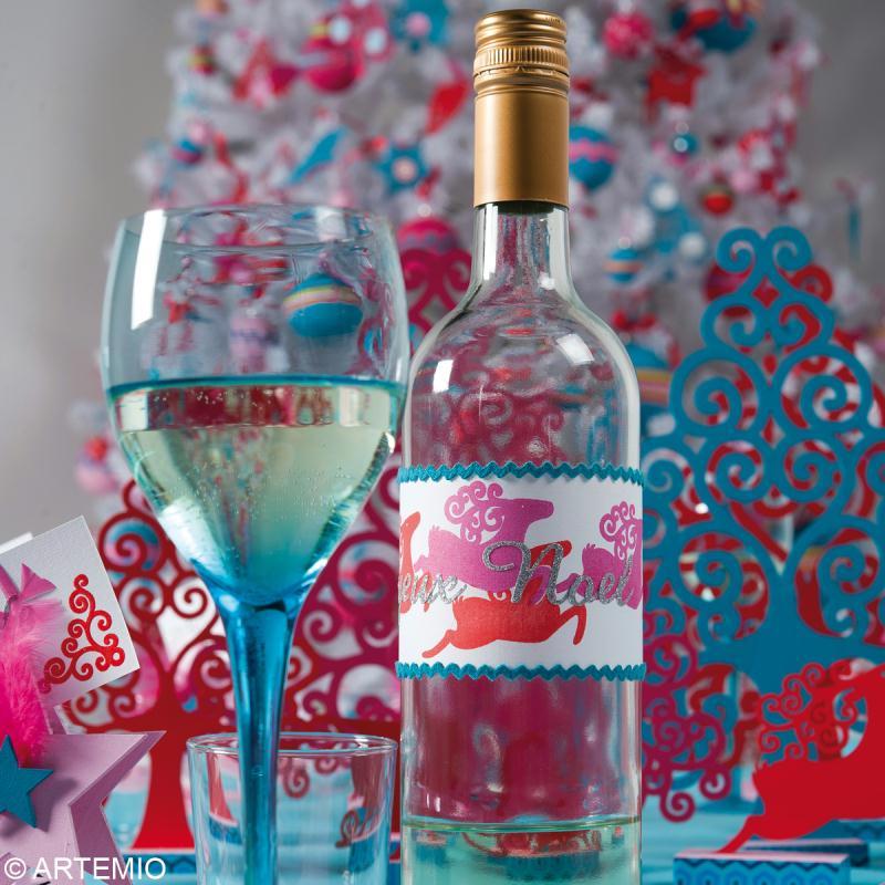 D co de table de no l faire soi m me no l contemporain for Decoration de bouteille en verre