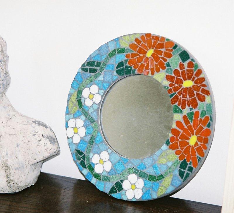 Miroir rond motif floral cr ations mosa que de zen n for Miroir rond mosaique