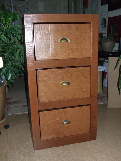 meuble carton cr ation meuble en carton de creamumu n 24 081 vue 6 289 fois. Black Bedroom Furniture Sets. Home Design Ideas