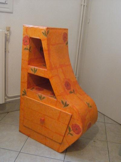 Meuble en carton cr ation meuble en carton de crearose n for Creation meuble carton