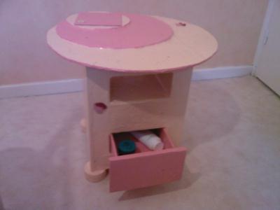 Meuble carton cr ation meuble en carton de steff n for Creation meuble carton