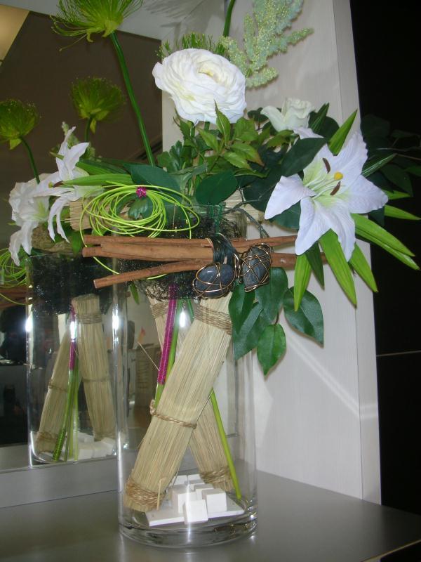 transparence composition florale avec fagots cr ations. Black Bedroom Furniture Sets. Home Design Ideas