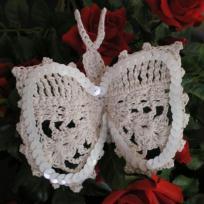 Papillon au crochet beige et blanc