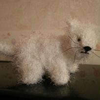 Petit chat blanc en crochet