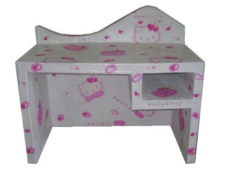 Bureau petite fille en carton hello kitty gris rose for Bureau hello kitty