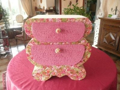 commode baroque en carton rose cr ation home d co et miroir de marie paule6283 n 33 594 vue. Black Bedroom Furniture Sets. Home Design Ideas