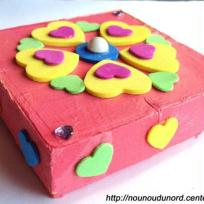 Jolie boîte à bijoux réalisée avec boîte à fromage