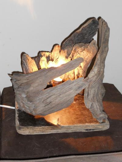 Lampe en bois flott la kolepi cr ation lampes et for Lampe en bois artisanale