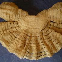 Brassiére au crochet ocre , réalisée en crochet dentelle