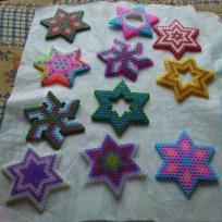 Multitudes d' étoiles en perles Hama