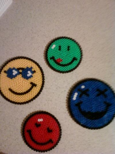 4 smiley tr s color s cr ation perles repasser hama de - Smiley perle a repasser ...