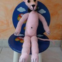 Panthère rose en tricot de 40 cm.