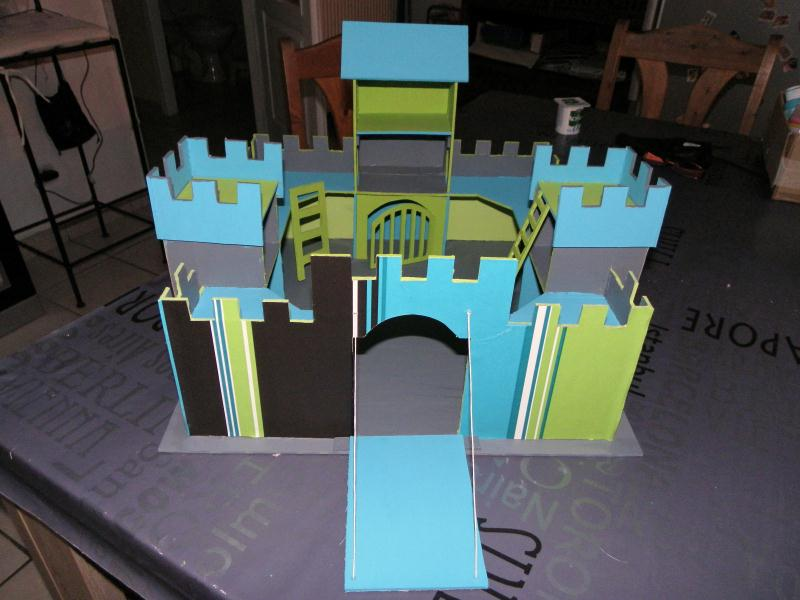 chateau fort en carton pour gar on cr ations chambre d 39 enfant de alexia5575 n 40979 vue 4067. Black Bedroom Furniture Sets. Home Design Ideas