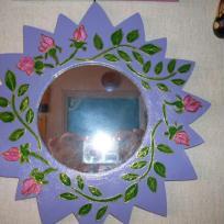 Miroir en bois violet aux roses peint à la main