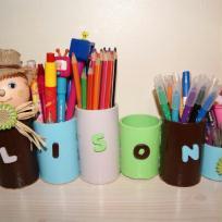 Pots à crayons en rouleaux de carton: Camille la chenille.