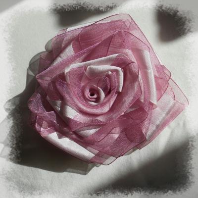 cr ation rose tissu grosse rose en ruban d 39 organdi et ruban de soie cr ation couture de. Black Bedroom Furniture Sets. Home Design Ideas