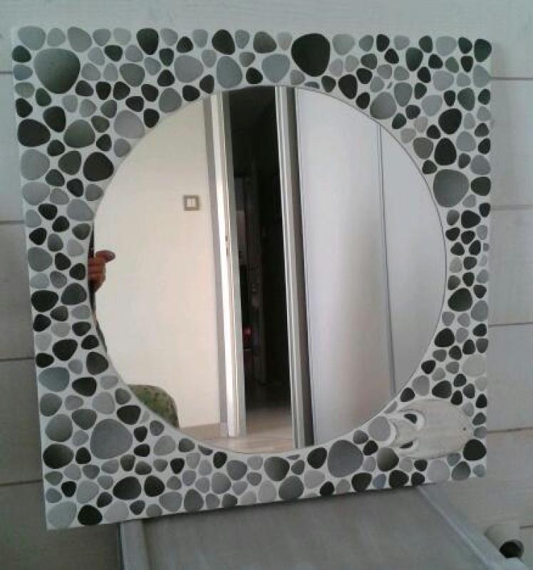 Miroir rond en galets japonais cr ations mosa que de for Miroir rond mosaique
